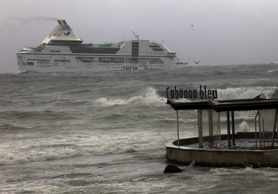 Coup de mer en Corse