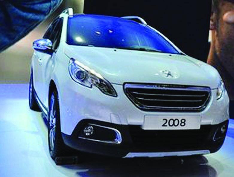 Les nouveaux rivaux – les crossover 2008 de Peugeot et Captur de Renault – ont été dévoilés dans leur version définitive, hier, au Salon automobile de Genève.