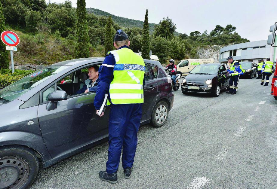 Malgré une signalisation importante avant la sortie 56 fermée hier matin, de nombreux automobilistes n'ont pas hésité à emprunter la bretelle. La sanction est tombée : 90 euros et trois points.