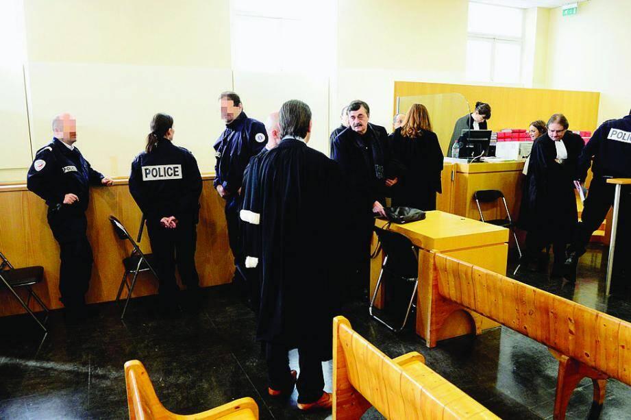 Devant le tribunal de grande instance de Marseille, hier, Éric Jourdan et Francis Castola ont minimisé leur rôle.