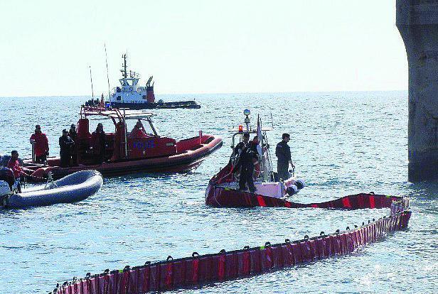 Exercice antipollution marine au port de Fontvieille