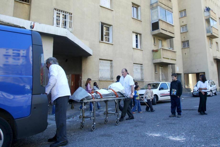 L'ancien gendarme a été mis en examen et écroué pour le meurtre d'une sexagénaire en 2006 dans les quartiers Nord de Marseille.