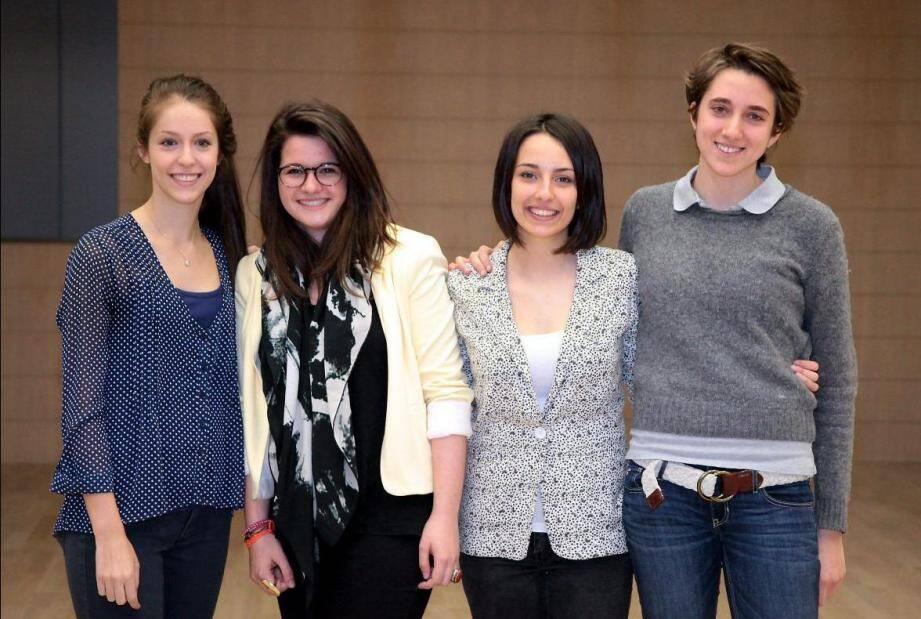 Sur la photo de gauche à droite : Julia Sisto, Alice Corporandy,Lucie-Colombe Chailan et Alexia Fabiana.