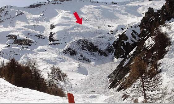 <p>L'avalanche de 300 m de long et 50 m de large s'est produite sous le Dôme à Auron.</p>