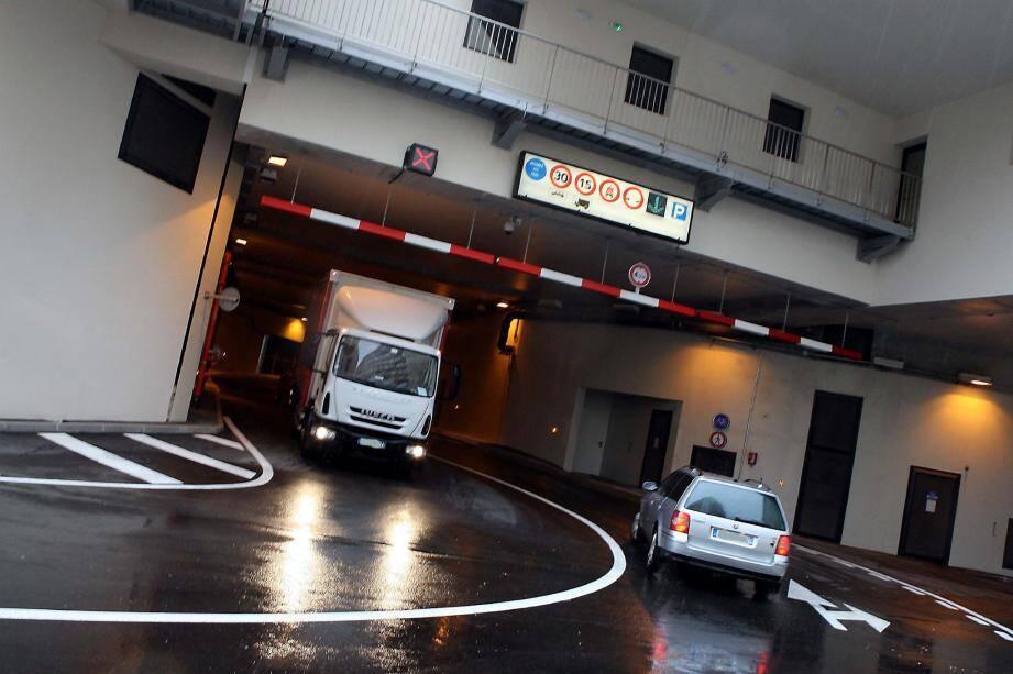 Le trafic a déjà diminué de 30 % sur l'avenue de Fontvieille aux heures de pointe. Un bol d'air pour les automobilistes pour qui de 8 heures à 8 h 30, le seuil était critique.