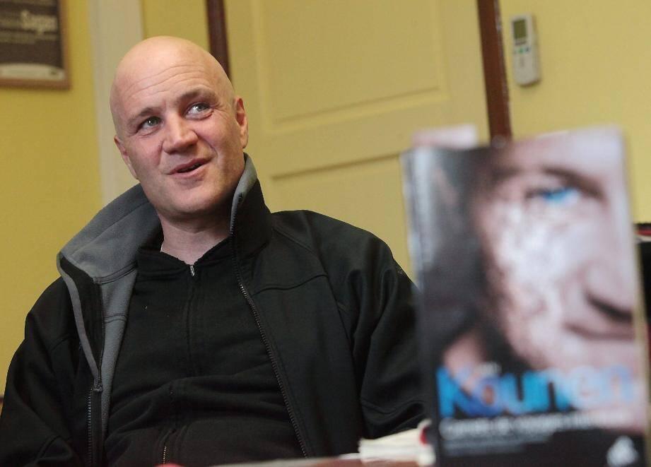 Jan Kounen, cinéaste et écrivain, est très attaché à Grasse et au cinéma Le Studio .