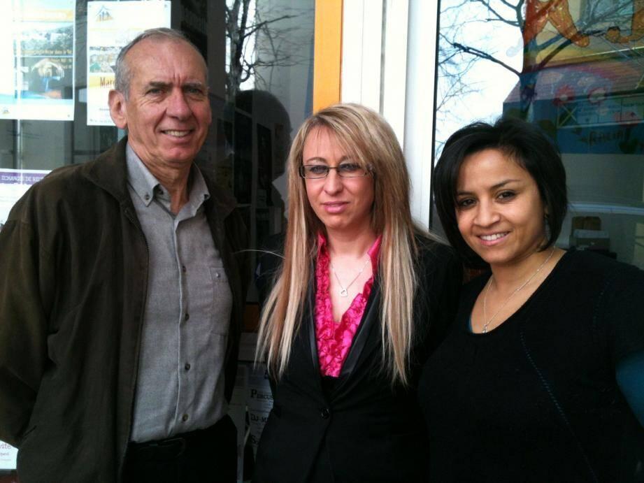 Sandrine encadrée par Michel Milano de la Fondation Deuxième Chance et Wafa Abdellaoui de l'École de Projets.