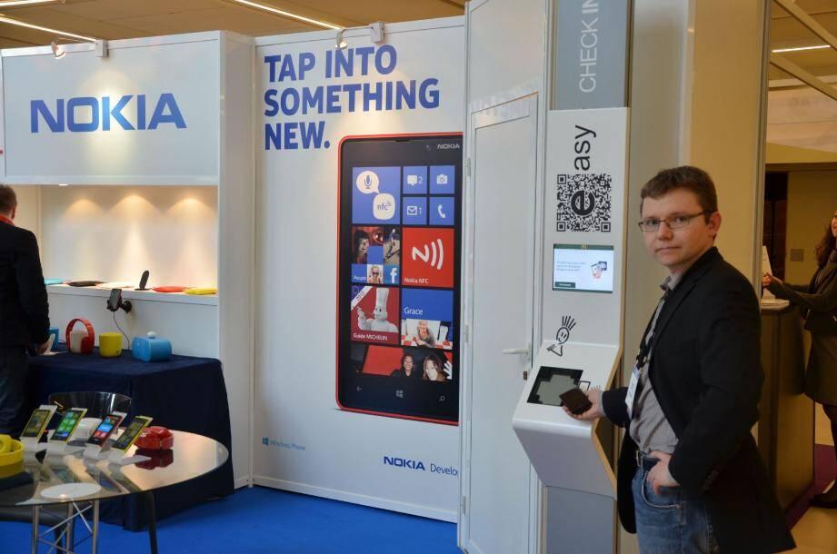 Chez Nokia, les mobiles équipés NFC permettent, entre autres, de commander plus rapidement aux bornes des fast-food.