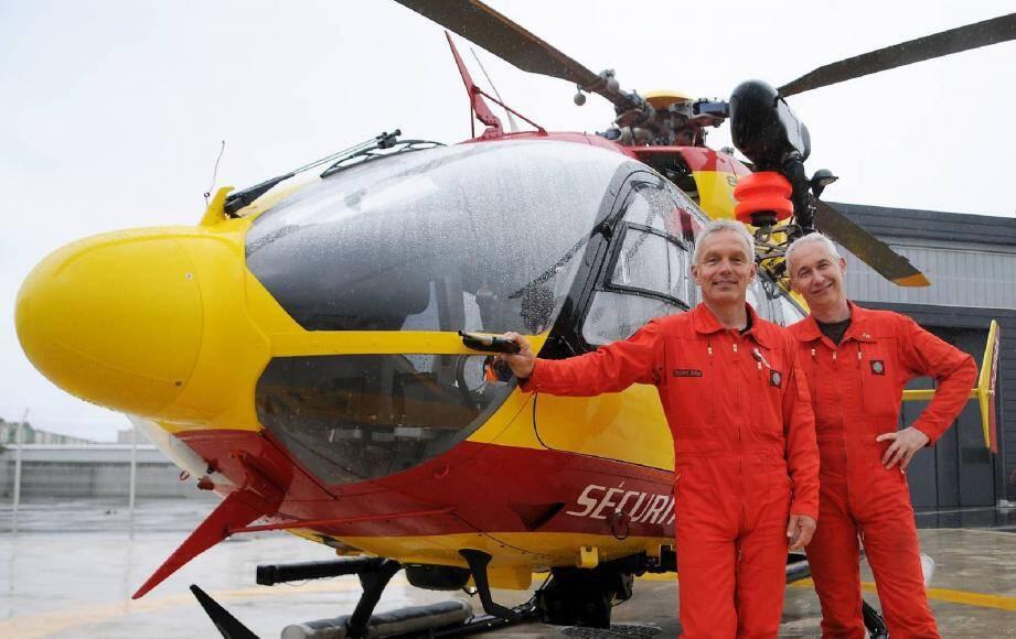Marc Tripier a survolé avec son mécanicien Gilles Lossouarn, la zone de recherches durant toute la matinée à bord du Dragon 06.