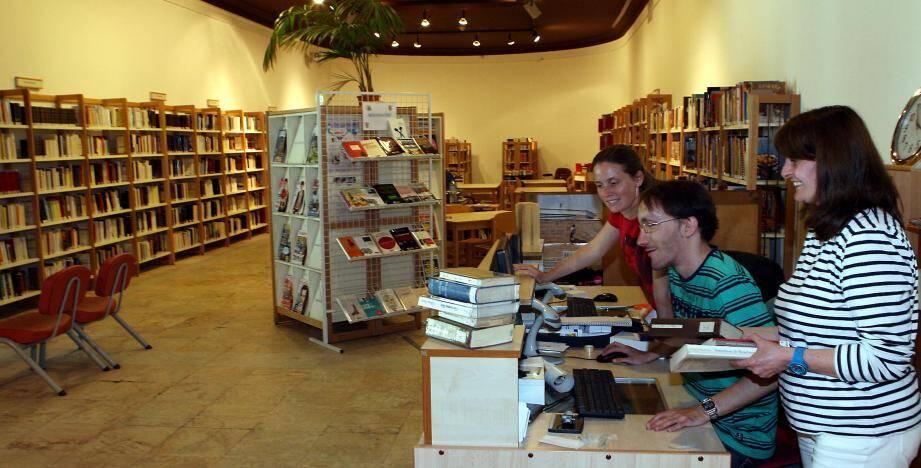 La bibliothèque de Menton transférée dans la galerie du Palais de l'Europe
