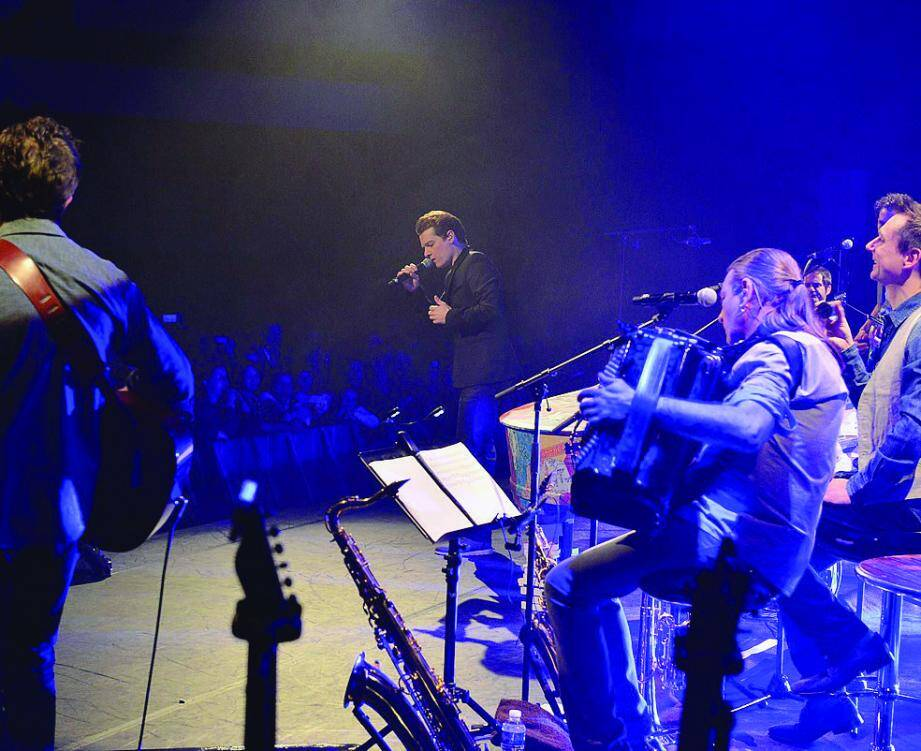 Près de mille personnes ont assisté au show de Bénabar, hier soir, dans une ambiance rappelant les concerts de jazz.