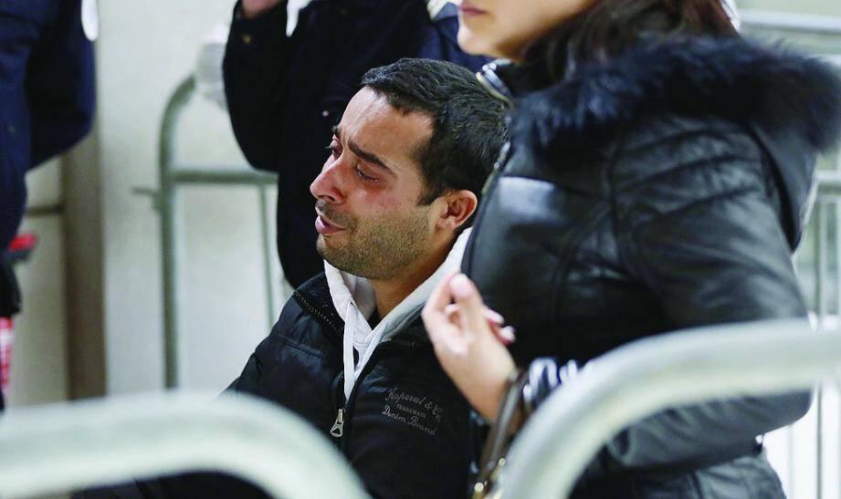 Mohamed Sghir, handicapé après avoir reçu quatre balles à bout portant, ne comprend toujours pas le geste de Abelaziz Rebiai, défendu par MeAdrien Verrier.