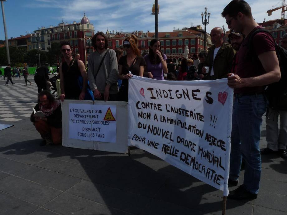 Une cinquantaine de militants écolos ont manifesté ce samedi place Masséna.