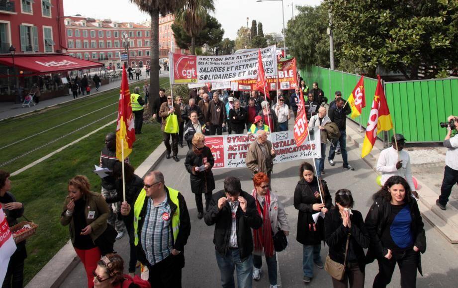 A NIce, près de trois cents manifestants ont pris part au défilé à l'appel de la CGT.
