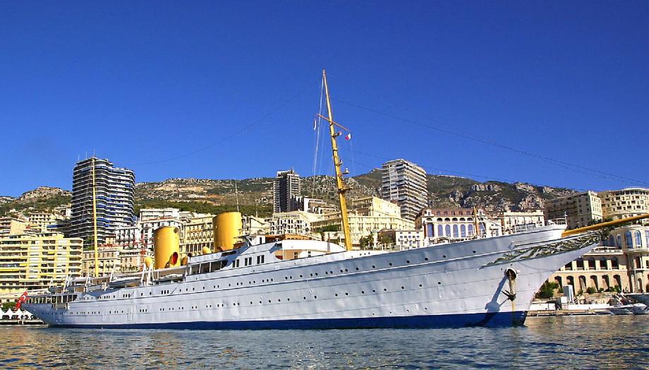 La Savarona, ici à Monaco
