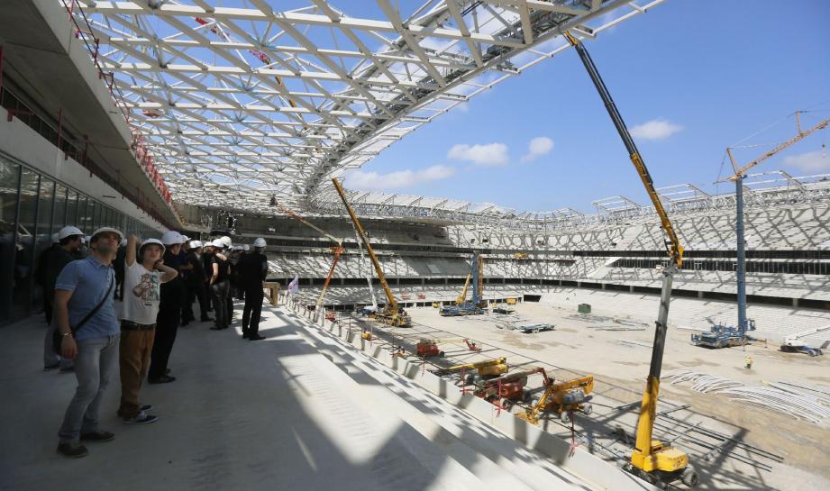 Environ 7 000 m2 de panneaux photovoltaïques couvriront une partie de la toiture de l'Allianz Riviera.