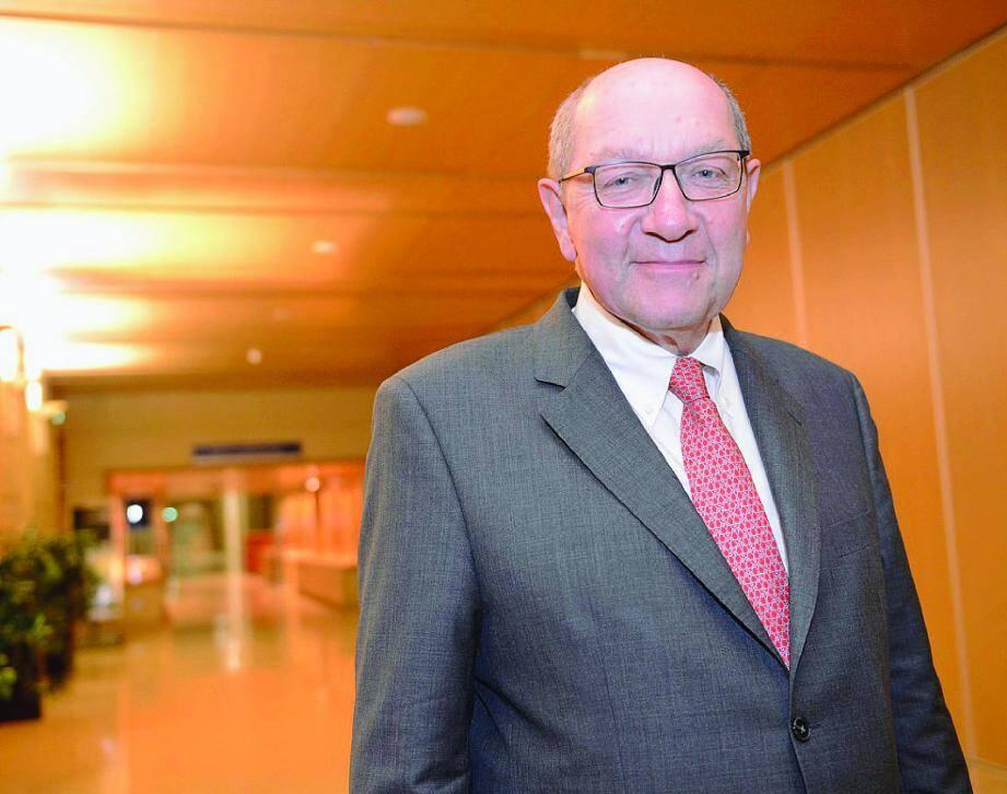 Philippe Duron préside la commission mobilité 21 chargée d'établir une hiérarchie parmi les projets d'équipement en France.