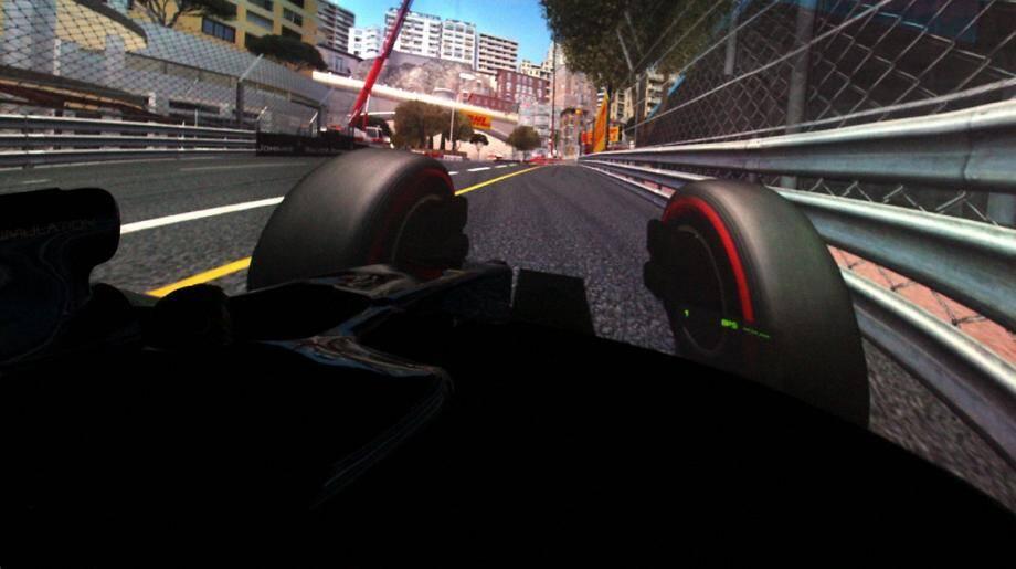 RS Simulation (comme «Race Specific») permet aux pilotes de mémoriser le circuit tout en perfectionnant leur technique de pilotage.