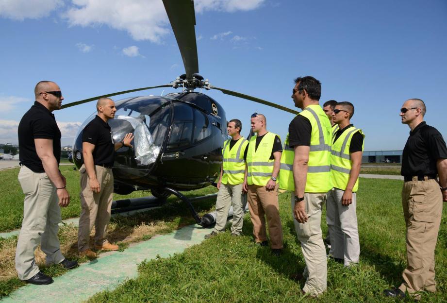 Cannes: des gardes du corps prêts pour sauver des VIP... en hélico