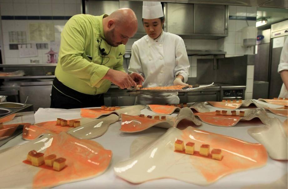 """Le chef Christian Sinicropi (deux étoiles Michelin) du restaurant """"La Palme d'Or"""", au Martinez."""