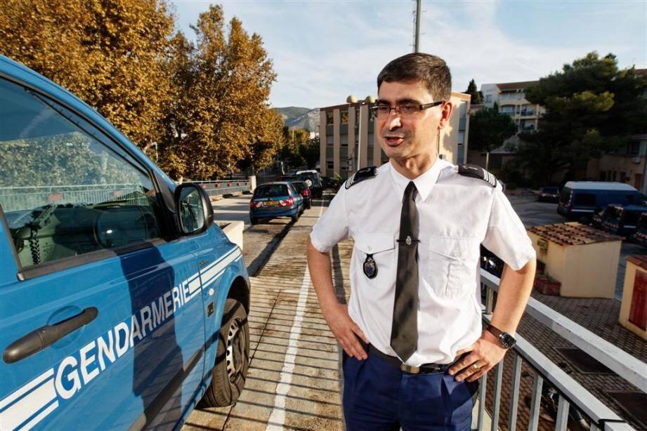 Le colonel Damien Choutet, commandant le groupement de gendarmerie du Var, a annoncé la fin de l'accueil du public en zone police.