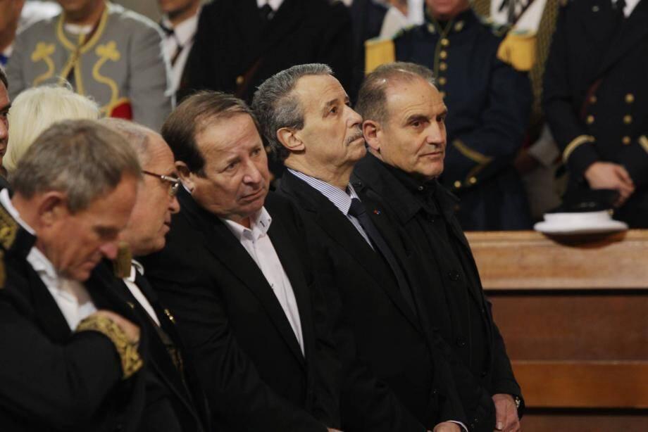 Après avoir opté pour Jean-Claude Tosello au mois d'avril, Élie Brun apportera finalement son soutien à son premier adjoint, Francis Tosi dans la course aux municipales 2014.