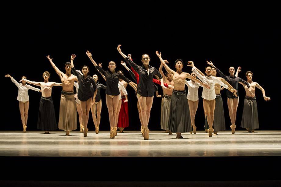 In Memoriam par les élèves de l'Académie de danse Princesse Grace lors du gala de fin d'année donné salle Garnier de l'Opéra de Monte-Carlo.