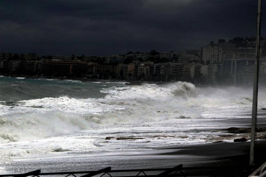 Le CrossMed prévoit une mer très agitée ce week-end. Mieux vaut éviter de prendre la mer.
