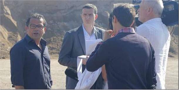 Aux côtés de son avocat, Alexandre Barbero (à gauche), patron de l'entreprise visitée par un huissier hier matin, pense être victime d'une « affaire politique ».