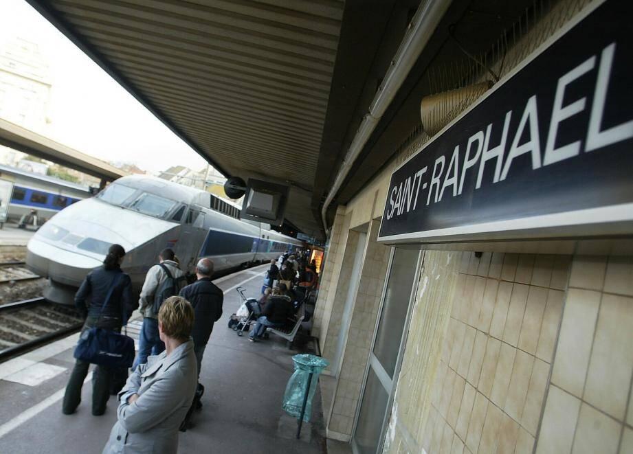 A la gare de Saint-Raphaël, moins de dessertes de TGV inquiète les usagers