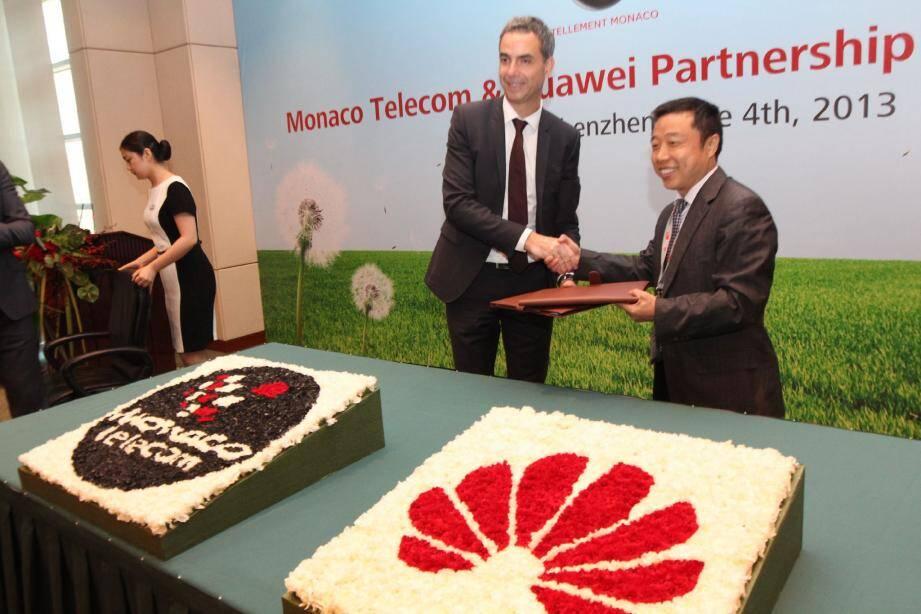 Un partenariat a été signé entre Monaco Télécom représenté par Martin Peronnet et Huawei représenté par Tang Qibing.