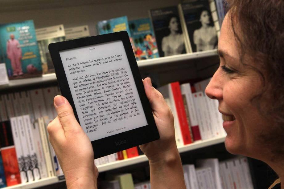 Tablettes, liseuses contre livre papier, un combat encore inégal. (Ph. Patrick Blanchard)