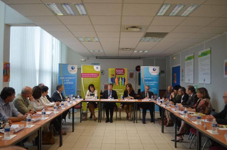 Hier matin, le préfet des Alpes-Maritimes a réuni le monde économique azuréen pour lui rappeler que le dispositif des emplois d'avenir lui était ouvert.