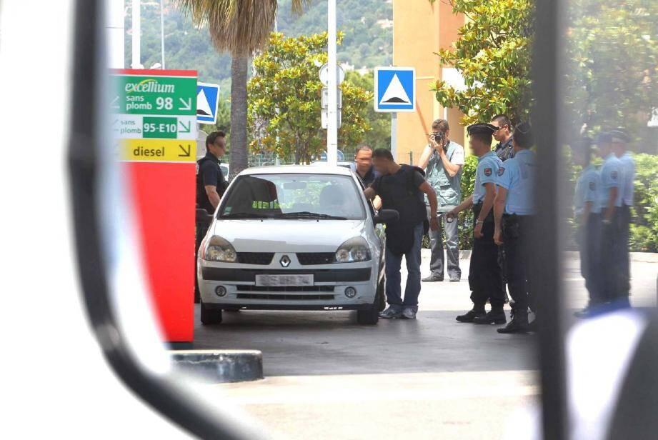 La reconstitution du drame avait permis à la défense de démontrer que le tireur n'avait pas visé. Sophian Jelassi a néanmoins été atteint en pleine tête.
