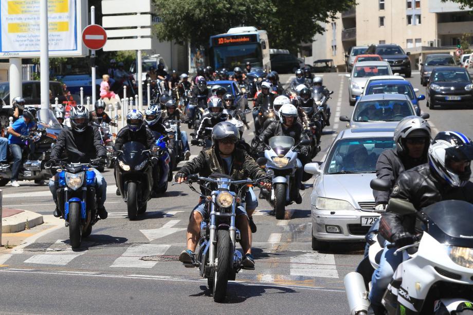 Les motards ont rallié Opio (Alpes-Maritimes) où l'hommage à Coluche se tiendra dimanche.