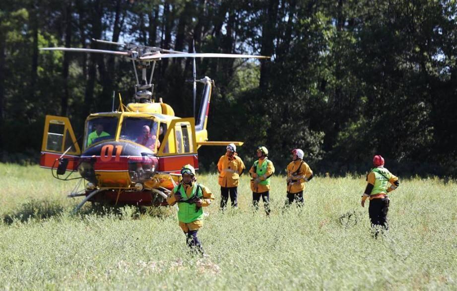 Ce samedi matin, deux manoeuvres d'entraînement à la lutte contre les feux de forêt ont eu lieu simultanément.