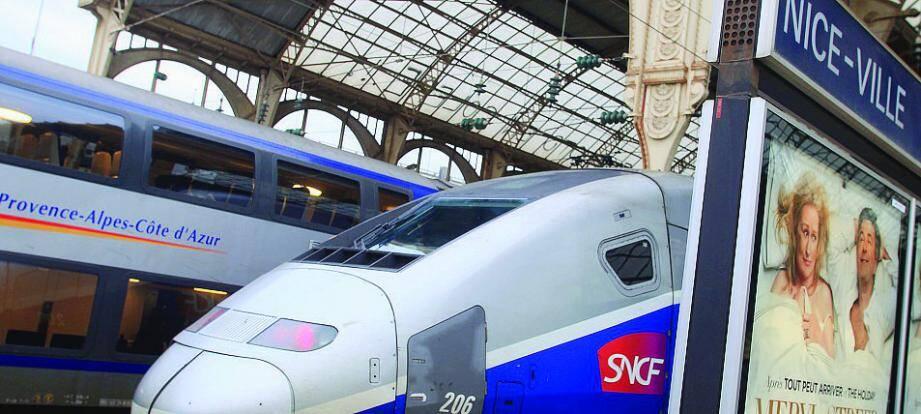 Un TGV en gare de Nice