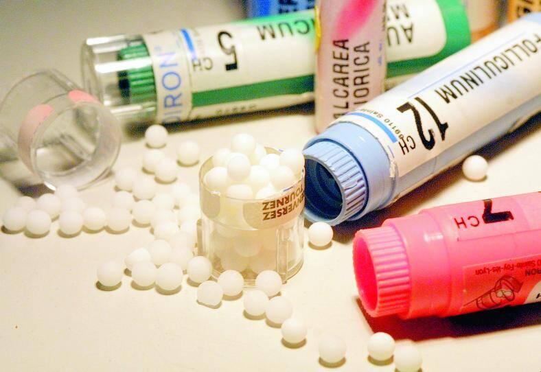 Selon un porte-parole du syndicat SNHF, il existe « à peine » 1 200 souches de médicaments homéopathiques.