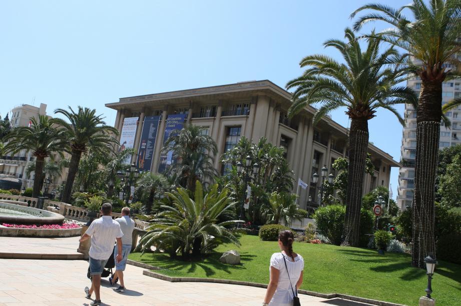 Première phase des travaux à Monte-Carlo : déplacer le jardin des Boulingrins!