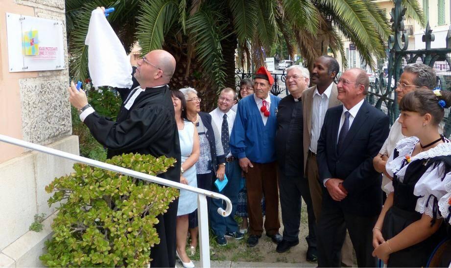 La nouvelle plaque a été dévoilée, hier, lors du culte d'inauguration de l'église protestante unie de France!