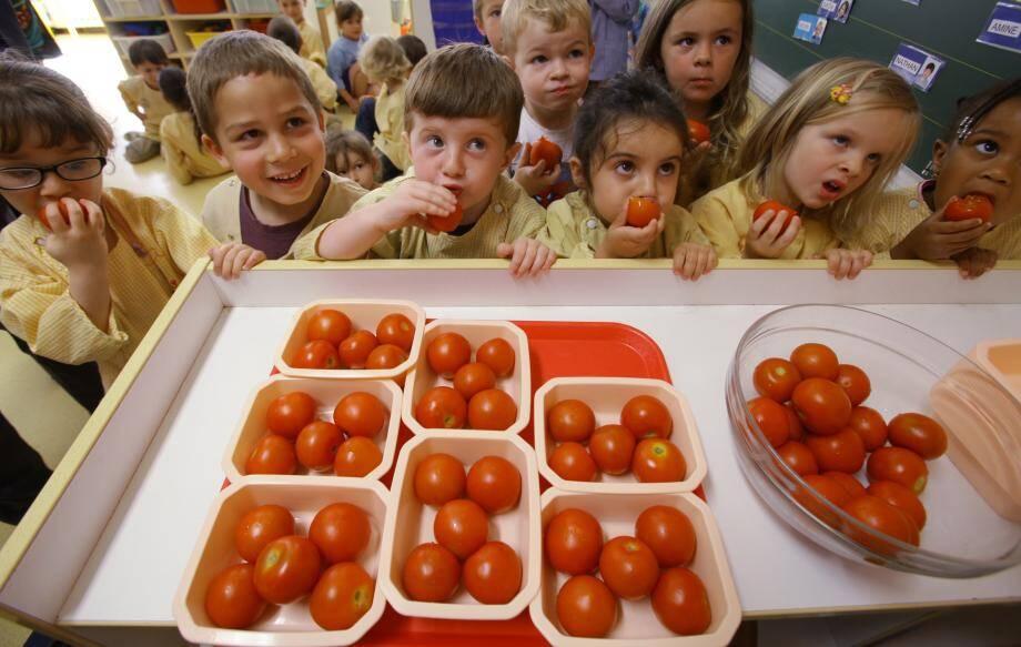 Journée découverte de fruits et légumes pour les élèves de l'école Ray-Gorbella.