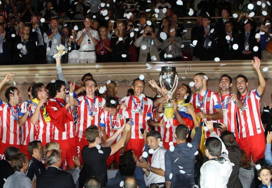 L'Atletico de Madrid remporte la Super Cup 2012 en battant 4 à 1 l'équipe de Chelsea FC au stade louis II de Monaco
