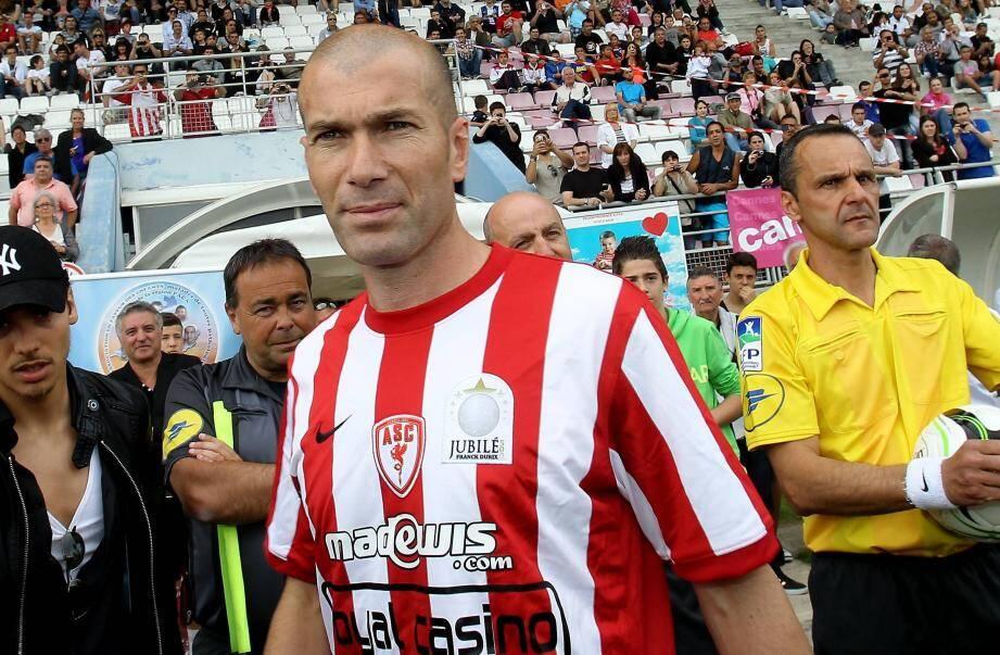 Zinedine Zidane de retour à Cannes, samedi 8 juin 2013.