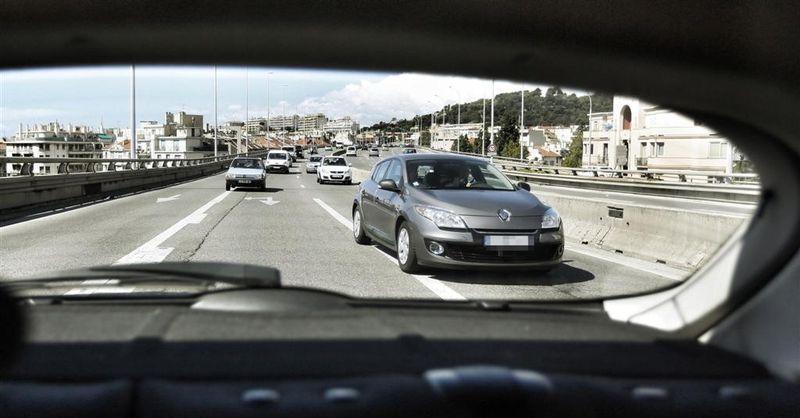 La Renault Mégane banalisée équipée d'un radar