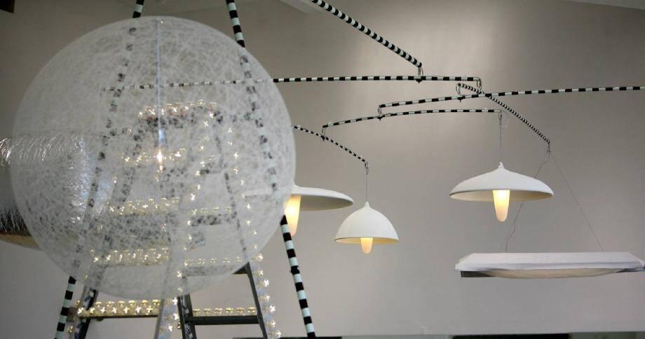 Échelle lumineuse, lampes éthérées… Les objets usuels deviennent féeriques à la Design Parade.