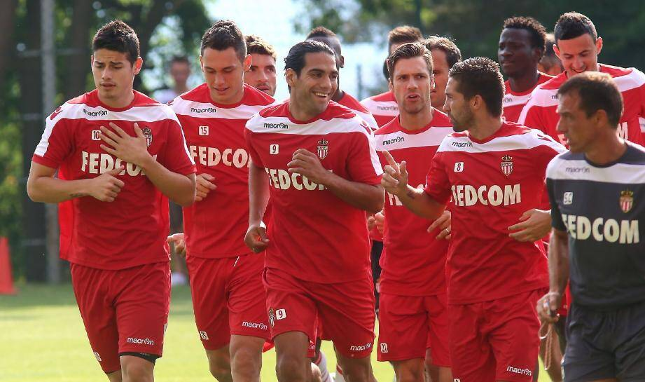 Footing décontracté pour Rodriguez, Ocampos, Falcao, Kagelmacher et Moutinho.
