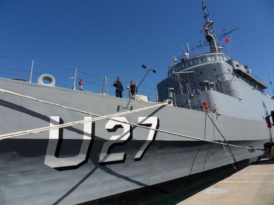 Le navire est amarré à la base navale depuis samedi et jusqu'au jeudi 1er août.