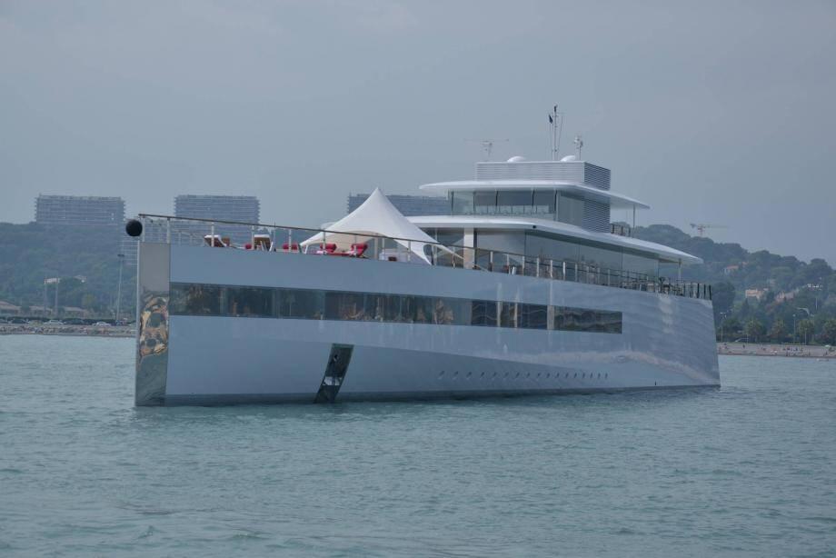 venus yacht steve jobs