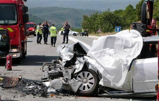 Quatre blessés sont toujours dans un état grave après l'accident qui a coûté la vie à un père et sa fille samedi au Muy.