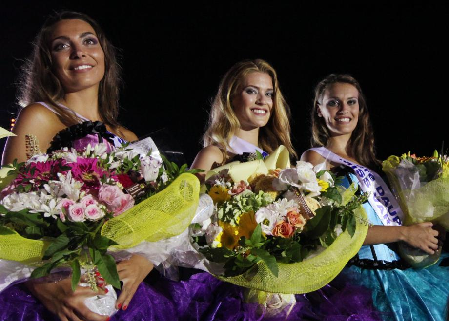 Laetizia, Miss Var 2013 entourée de ses dauphines, Anne-Laure et Elena.